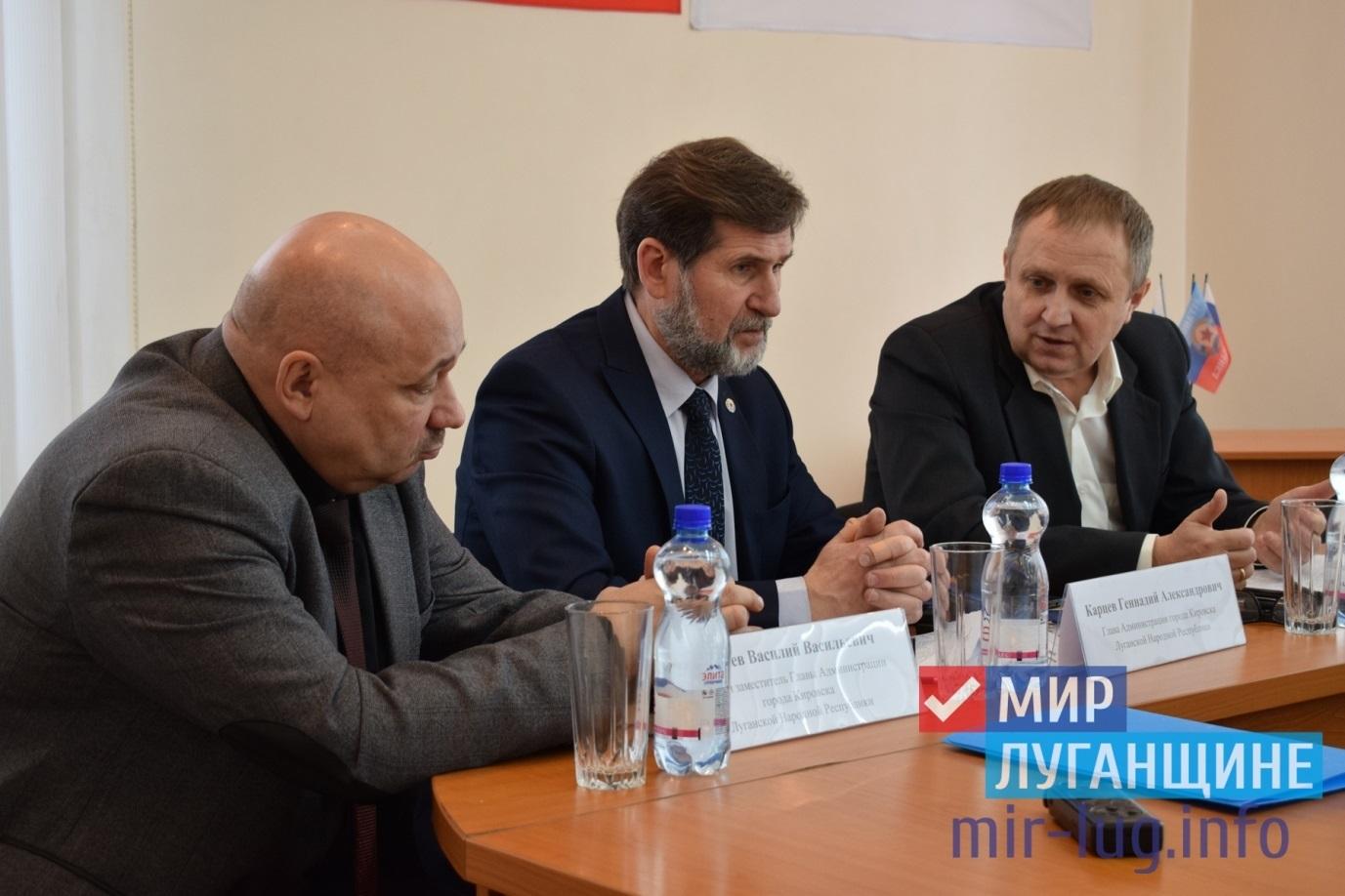 Руководство Минприроды и экологической безопаности провело прием граждан в Кировске 1