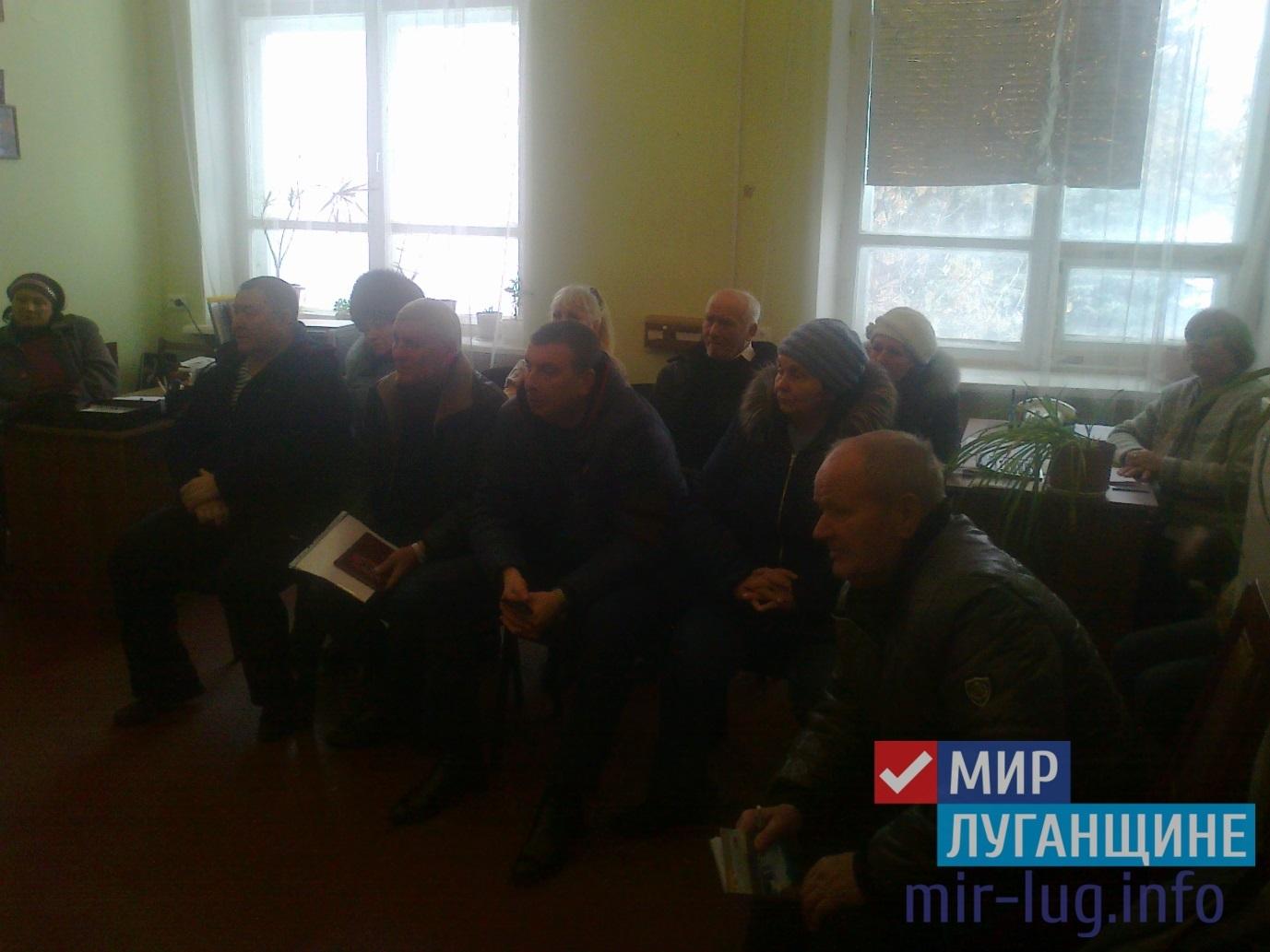 Ветераны Перевальска встретились с координатором проекта «Забота о ветеранах» 1