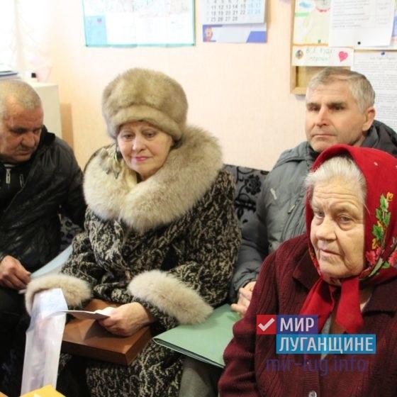 Депутат Народного Совета Юрий Юров провел прием в Кировске 4