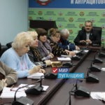 Глава Антрацитовского района провел прием граждан