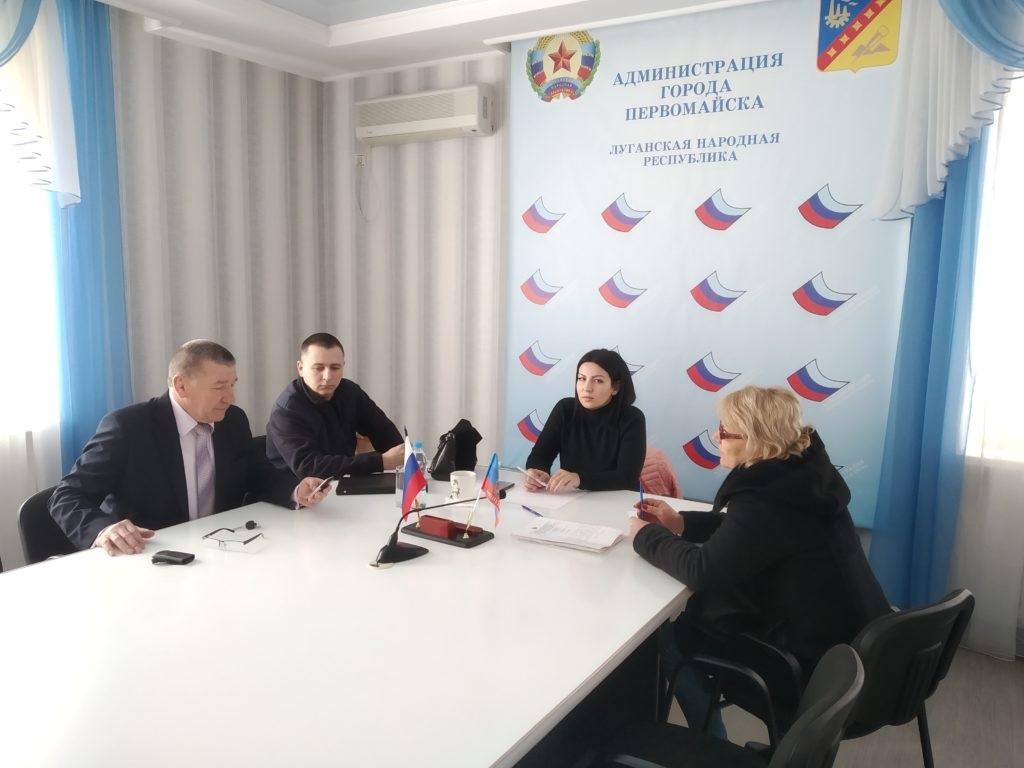 В Лутугино, Первомайске и Алчевске депутаты Народного Совета провели личные приемы граждан 2