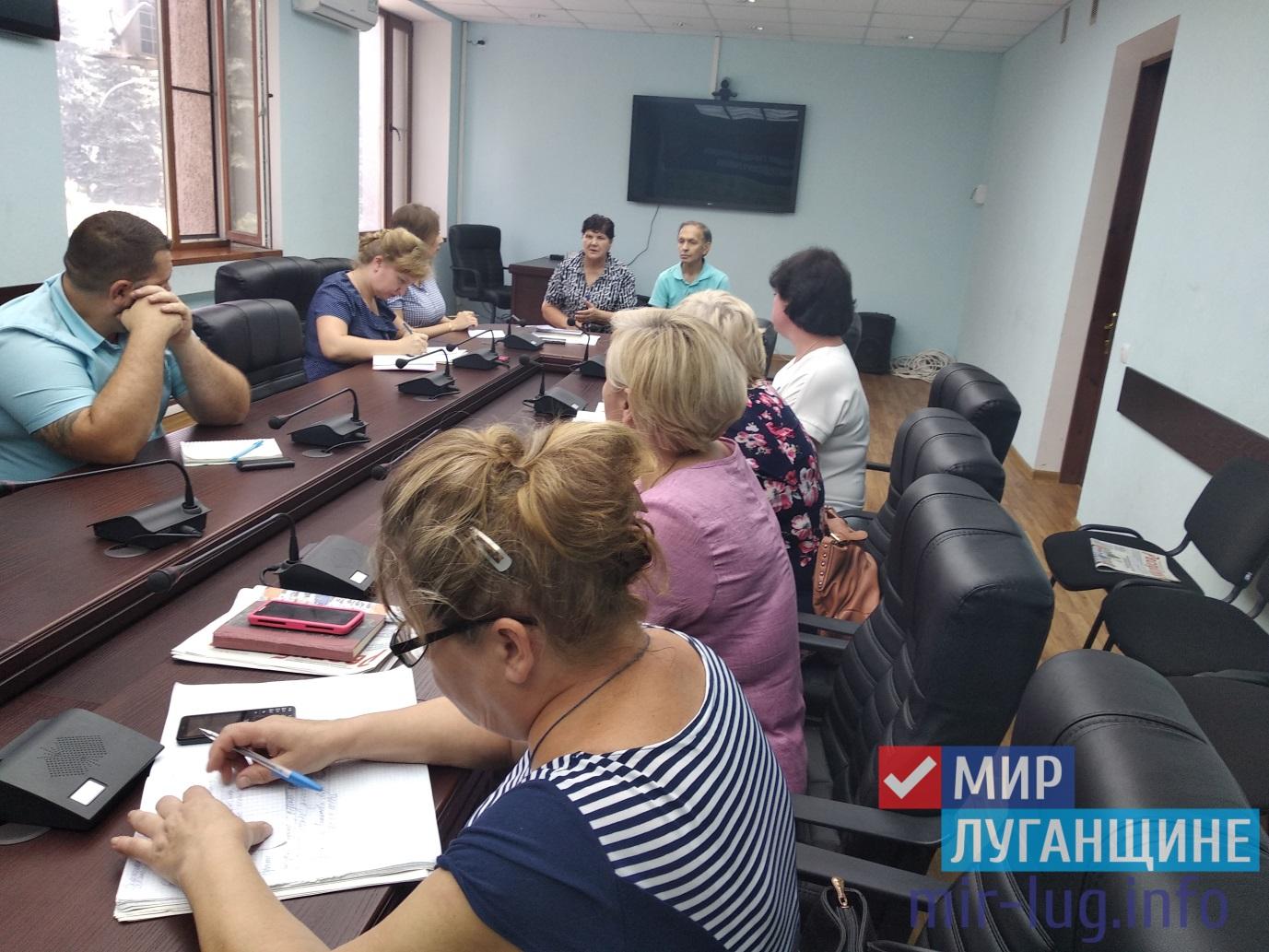 И.о. Главы Администрации Антрацита встретился с жителями города 1