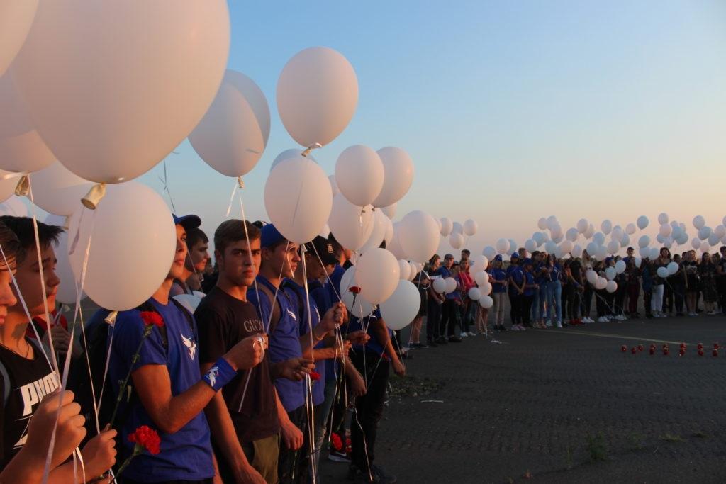 События, вписанные в историю кровью невинных: в Луганске прошел траурный митинг по случаю крушения «Боинг-777» 2