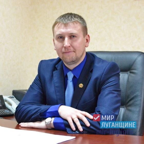 Денис Мирошниченко поздравил учащихся Республики с Днем знаний 1