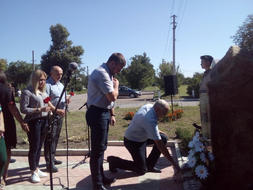 Митинг памяти состоялся в поселке Хрящеватое 1