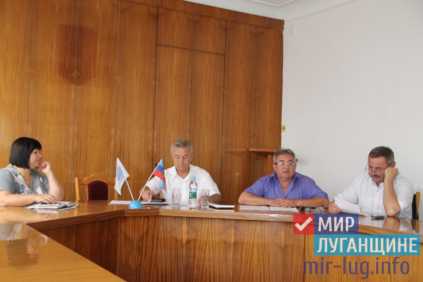 Министр сельского хозяйства ЛНР провел встречу с аграриями Антрацита 1