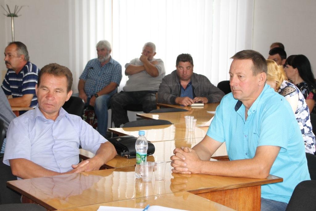 Министр сельского хозяйства ЛНР провел встречу с аграриями Антрацита 2