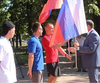 Сверхмарафон в честь дня Государственного флага РФ состоялся в ЛНР 1