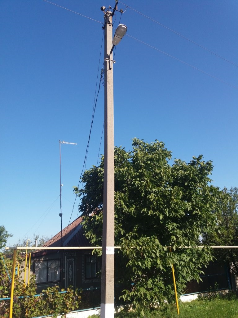 В Петровке установили уличные фонари 2