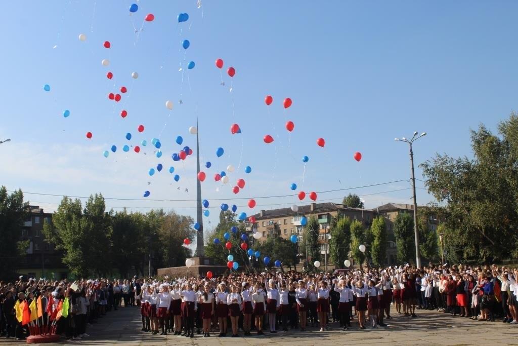 В Алчевске прошел единый час духовности «Голубь мира» 1