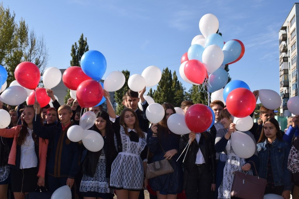 Акция «Голубь мира» прошла в Кировске 2