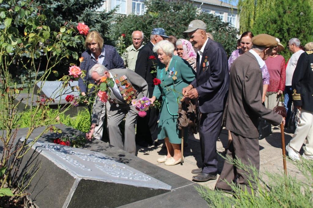 Ветераны Славяносербска приняли участие в экскурсии по местному музею 2