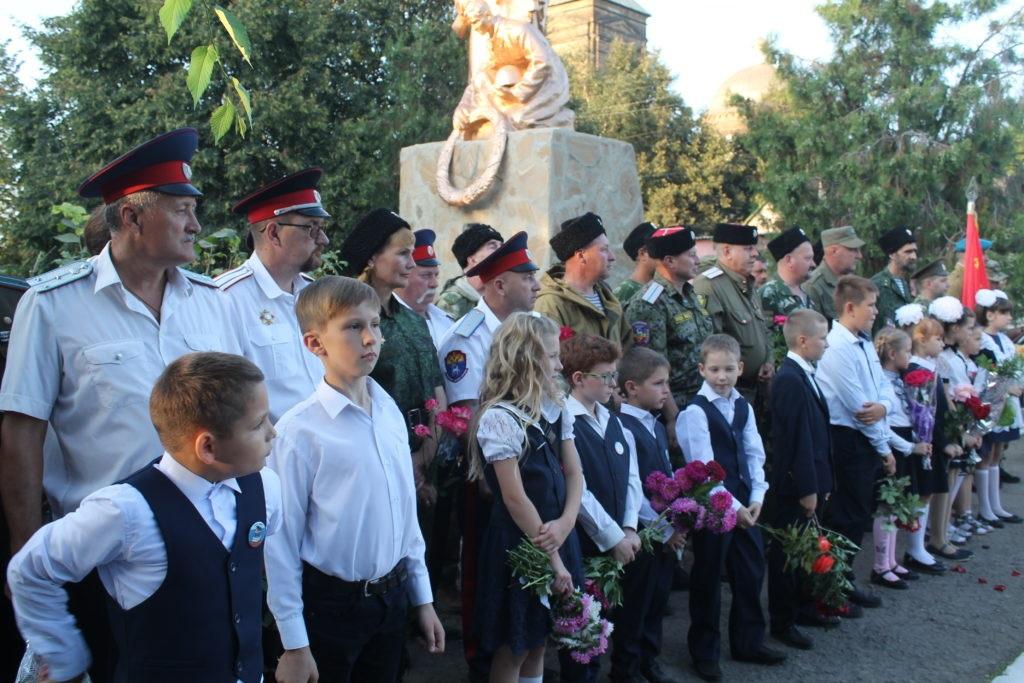 Открытие памятника погибшим защитникам Донбасса состоялось в поселке Михайловка 2