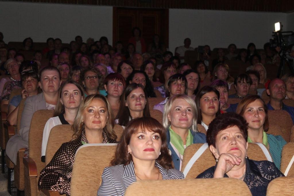 Торжественное открытие третьего этапа Республиканского конкурса «Педагог года Луганщины» состоялось в Ровеньках 2