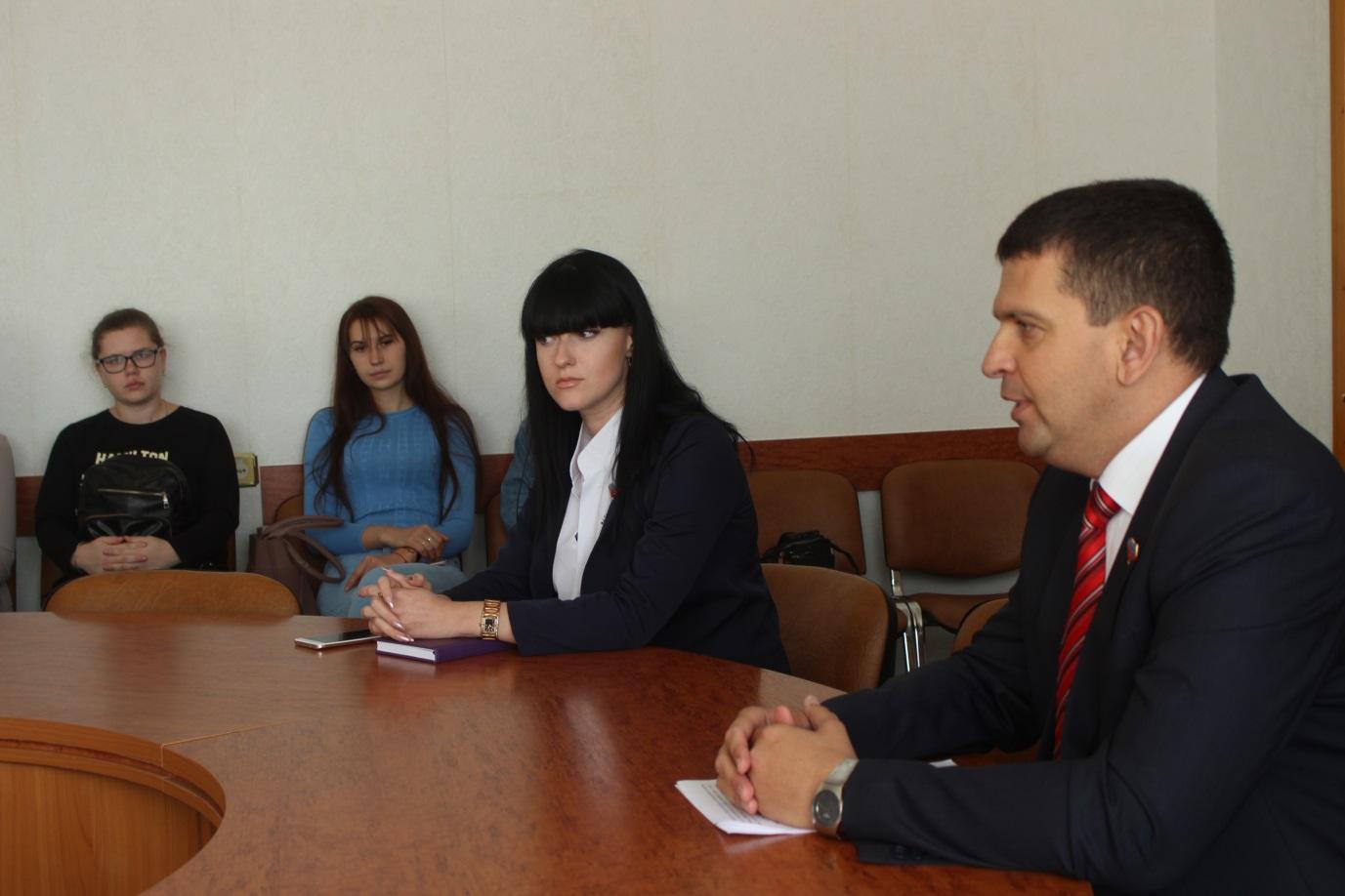 Студенты луганских вузов заинтересовались проектом «Лидеры Луганщины» 1