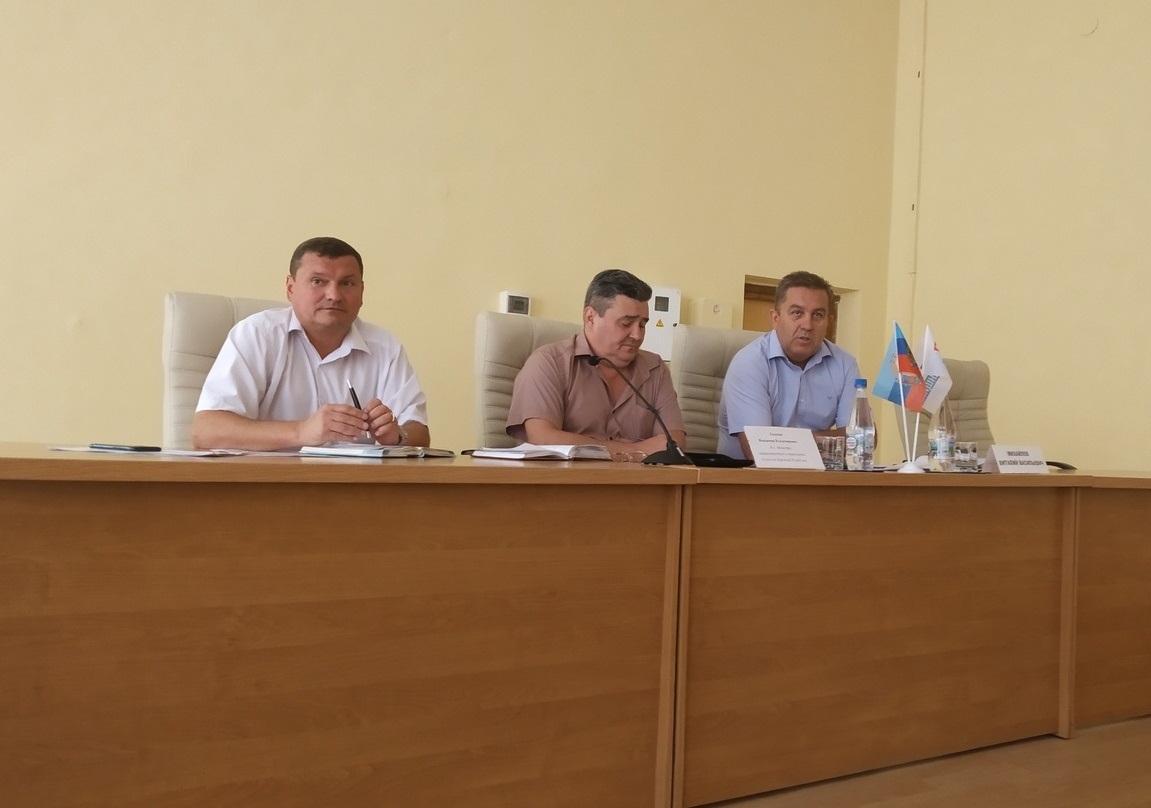 Исполняющий обязанности Министра транспорта ЛНР ознакомился с проблемами граждан Перевальска 1