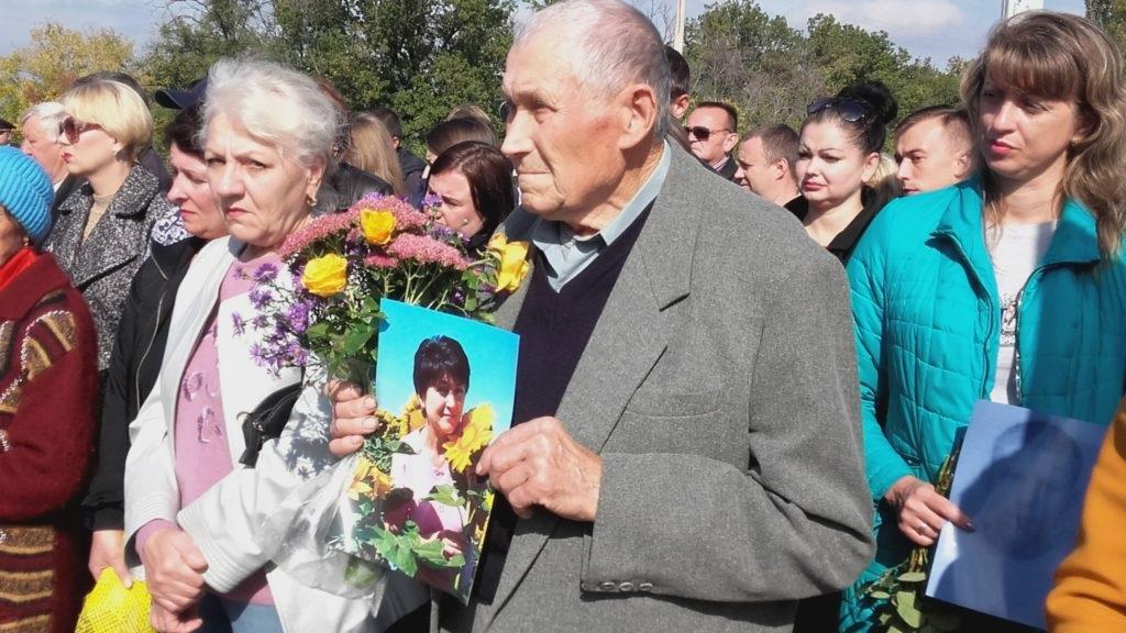 В Славяносербском районе установили памятник погибшим от рук ВСУ мирным жителям 3