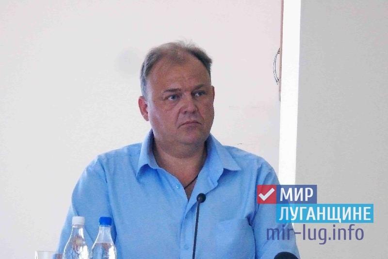 Депутат Народного Совета ЛНР ознакомился с проблемами граждан Краснодона 1