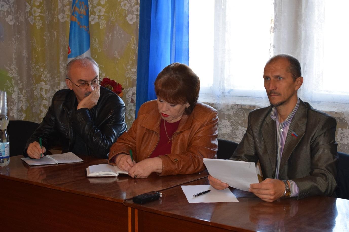 В поселке Донецкий Кировского городского совета состоялся прием граждан депутатом Народного Совета ЛНР 1