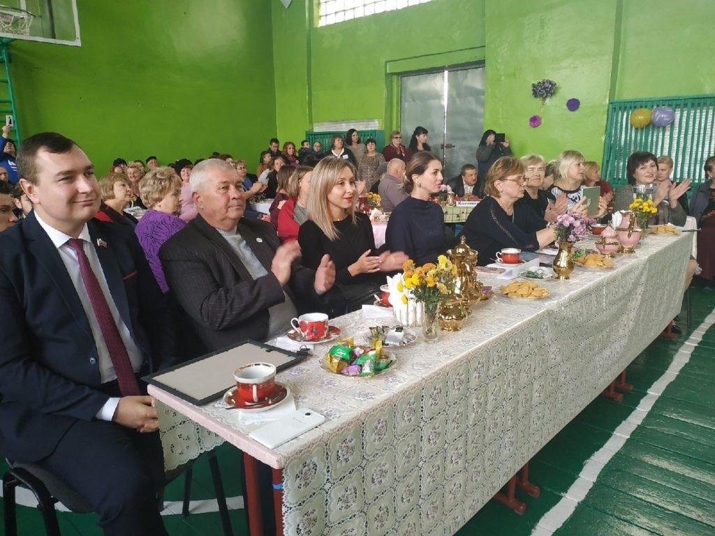 В поселке Михайловка отметили 140–летие основания гимназии 1