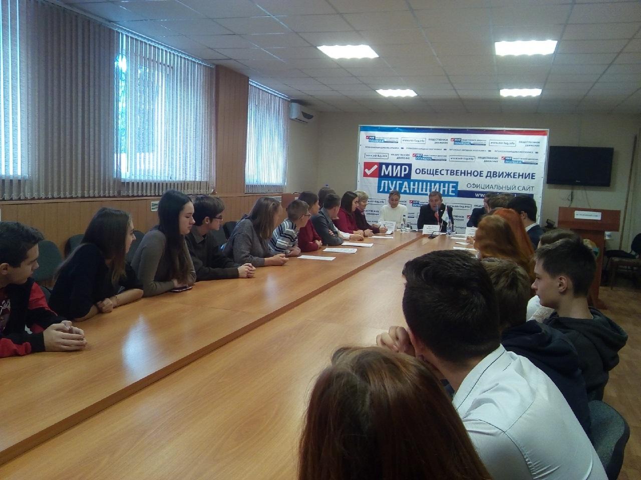 В Перевальске состоялся дебатный турнир 1