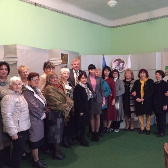 Владимир Шавлай встретился с ветеранами педагогического труда в Краснодоне 3