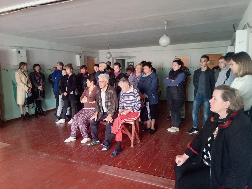 В Стаханове состоялась встреча Ольги Карякиной с вынужденными переселенцами и беженцами с прифронтовых территорий 2
