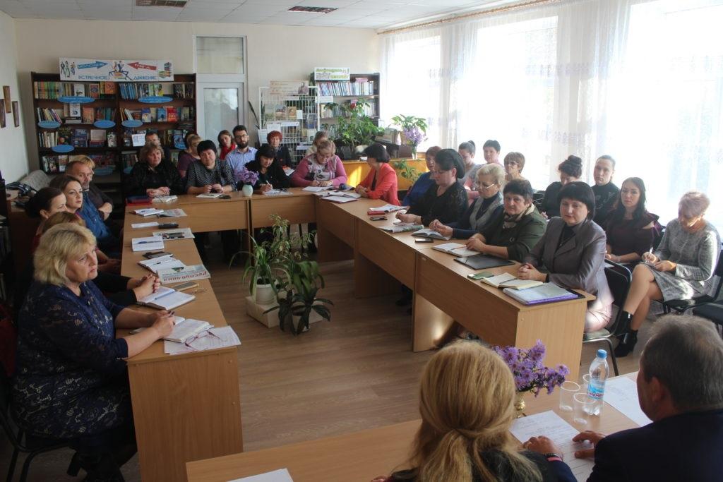 Депутат Народного Совета встретилась с педагогами Славяносербска 2