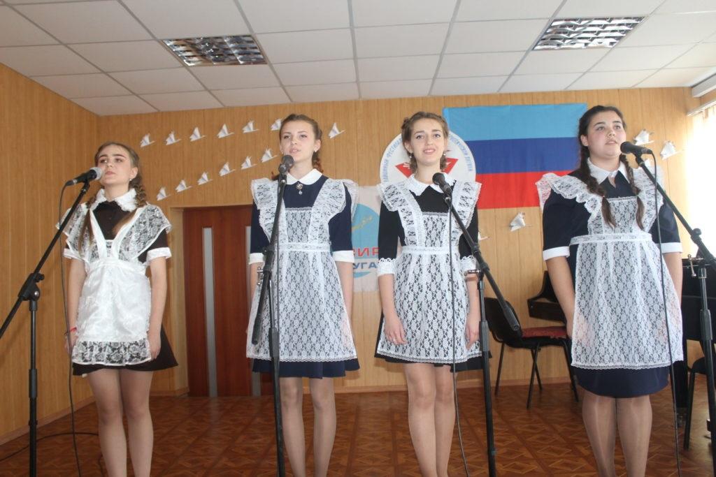 В Славяносербске состоялся фестиваль-конкурс героико-патриотической лирики «Памяти Белых журавлей» 2