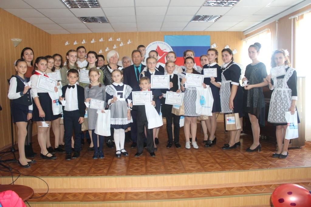 В Славяносербске состоялся фестиваль-конкурс героико-патриотической лирики «Памяти Белых журавлей» 5