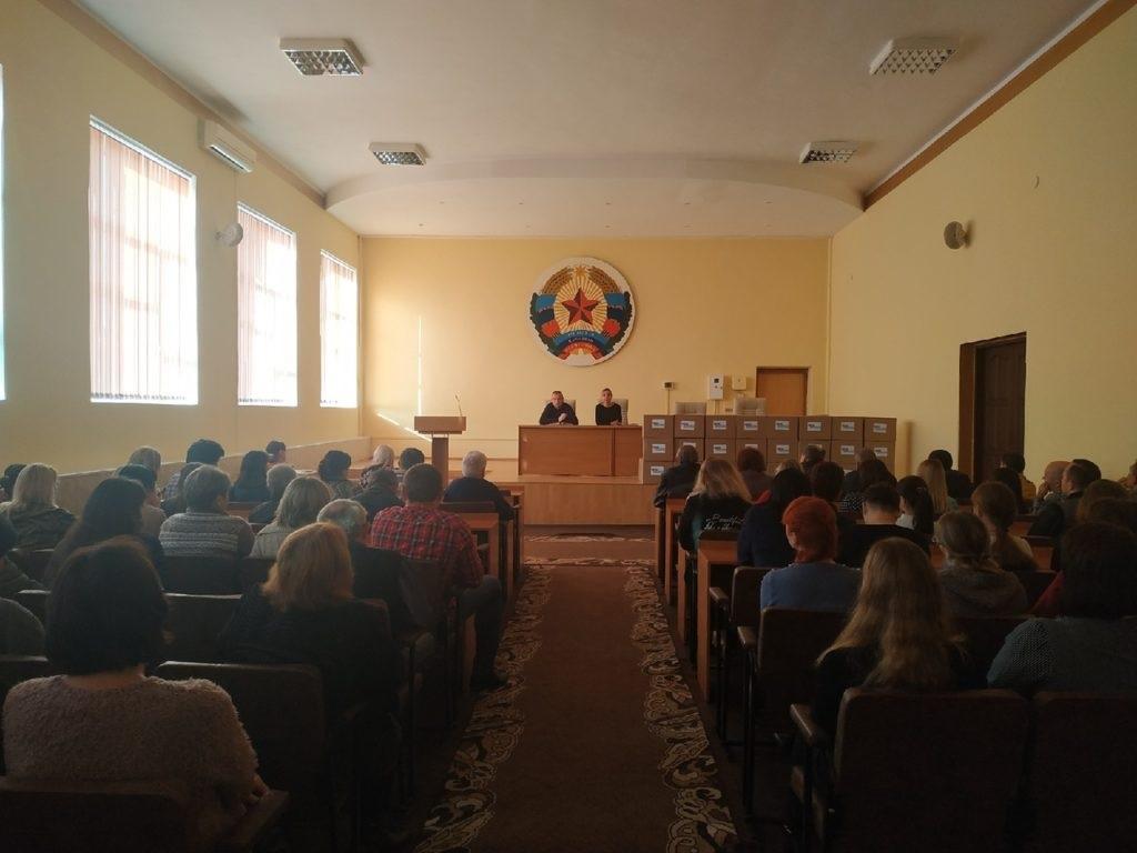 В Перевальске состоялась встреча работников ЖКХ с представителями Администрации района и Перевальского теротделения ОД «Мир Луганщине» 3