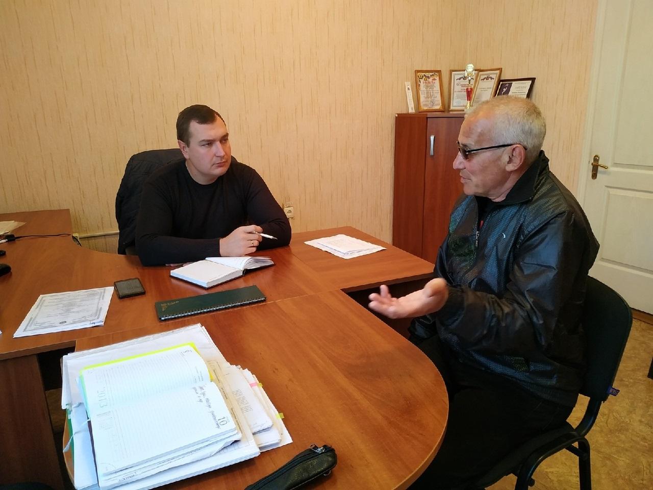 Депутат Народного Совета Луганской Народной Республики провел прием в Перевальске 1