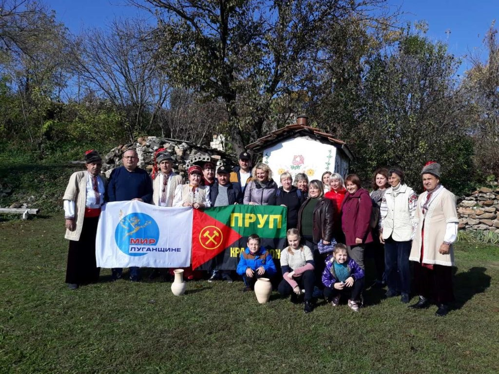 Активисты Краснодонского теротделения побывали на экскурсии в селе Пархоменко 3
