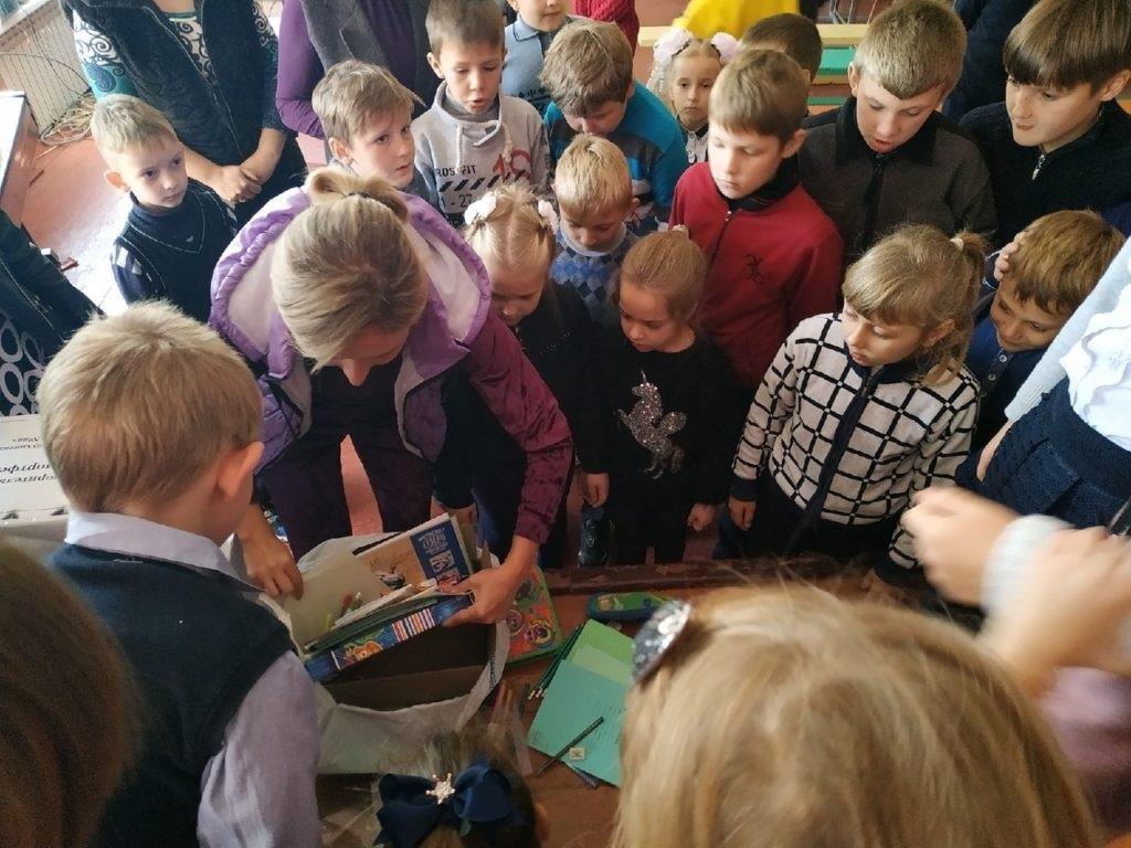 В поселке Комиссаровка Перевальского района завершилась акция «Помощь другу» 3