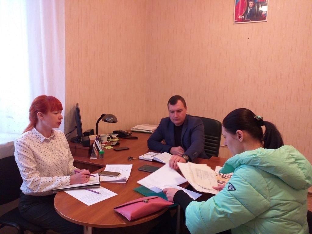 Депутат Народного Совета ЛНР провел прием граждан в Перевальске 2
