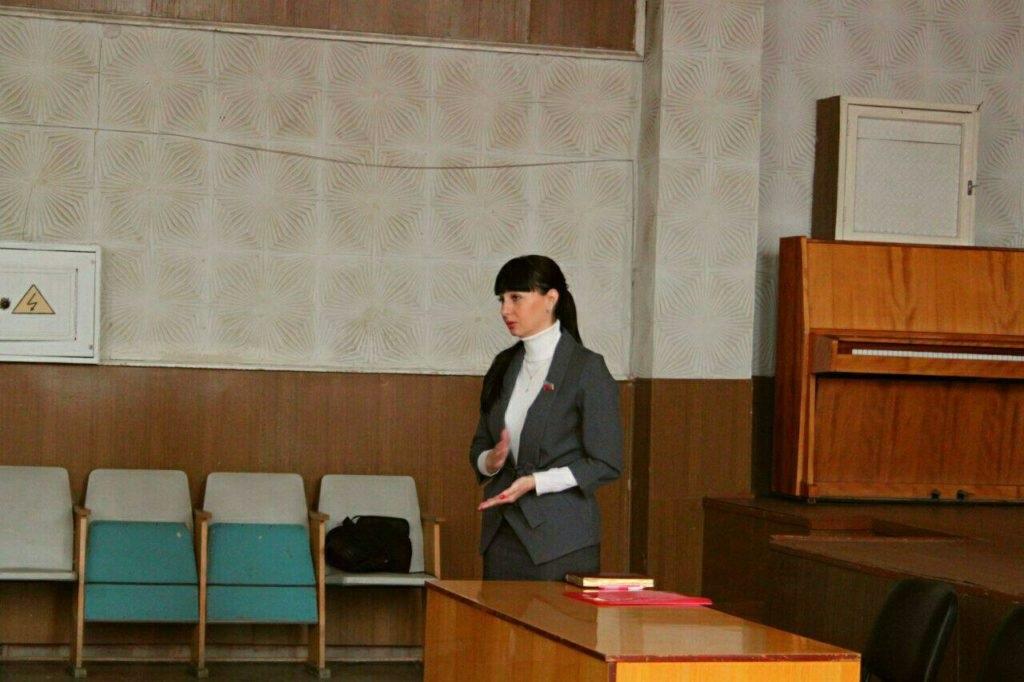 Александра Коваленко встретилась с трудовым коллективом Луганской многопрофильной больницы 1