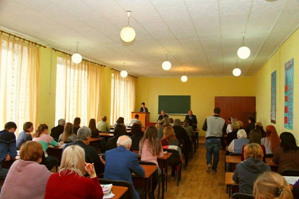 Депутат Народного Совета ЛНР Александра Коваленко встретилась с избирателями Краснодона 2