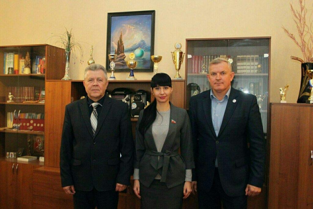 Депутат Народного Совета ЛНР Александра Коваленко встретилась с избирателями Краснодона 5