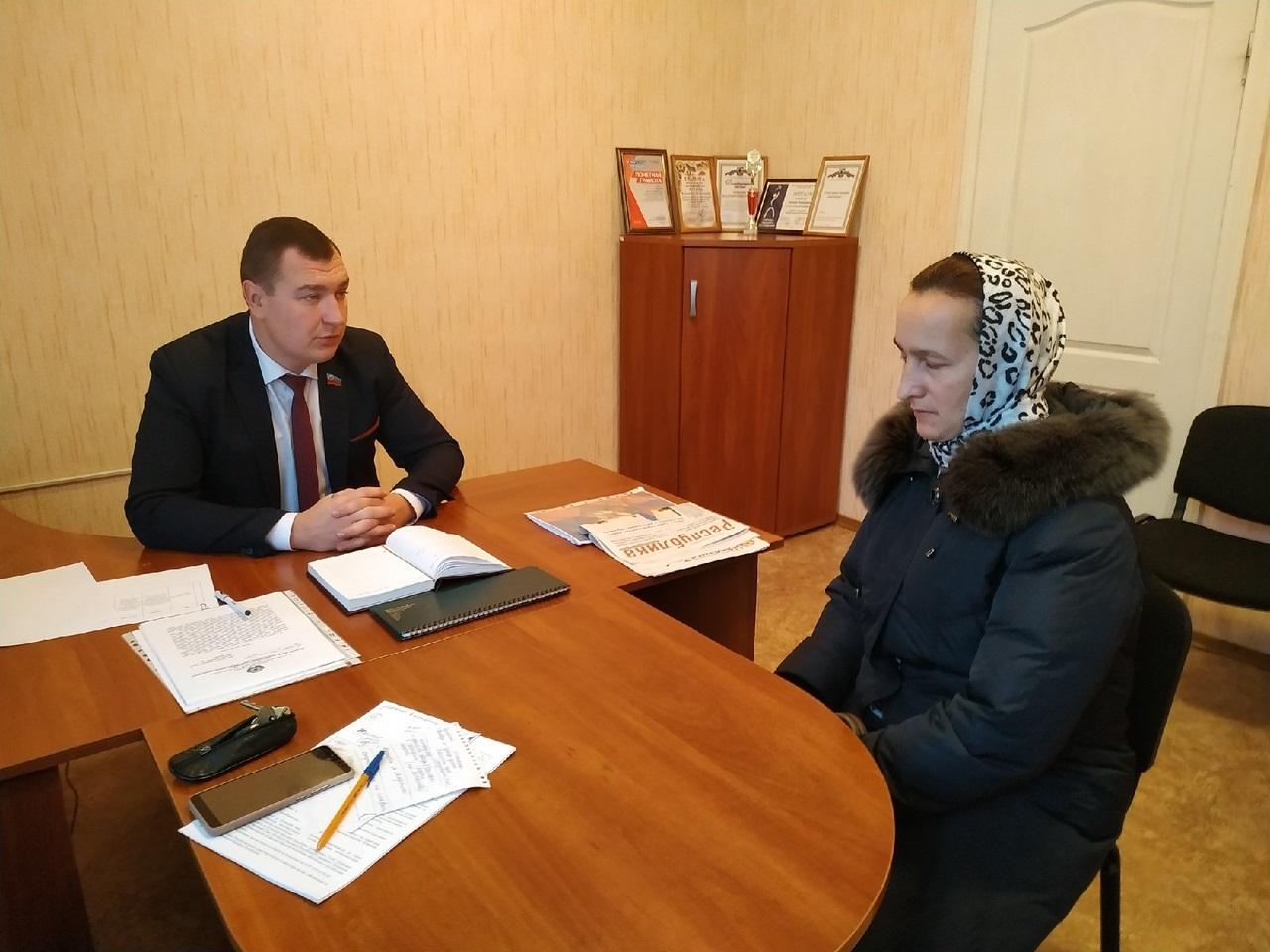 Жители встретились с депутатом Народного Совета ЛНР Владимиром Поляковым в Перевальске 1