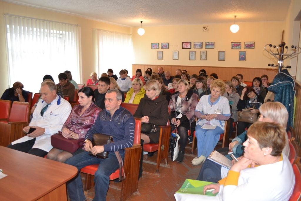 Встреча с коллективом медицинских работников прошла в Ровеньках 2