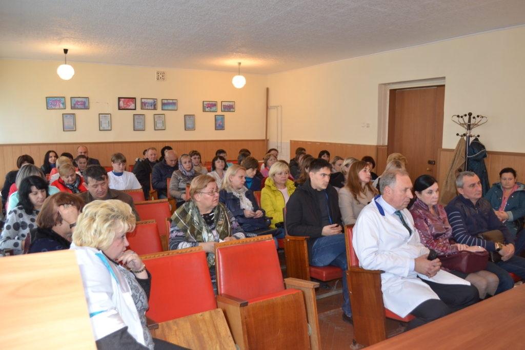 Встреча с коллективом медицинских работников прошла в Ровеньках 3