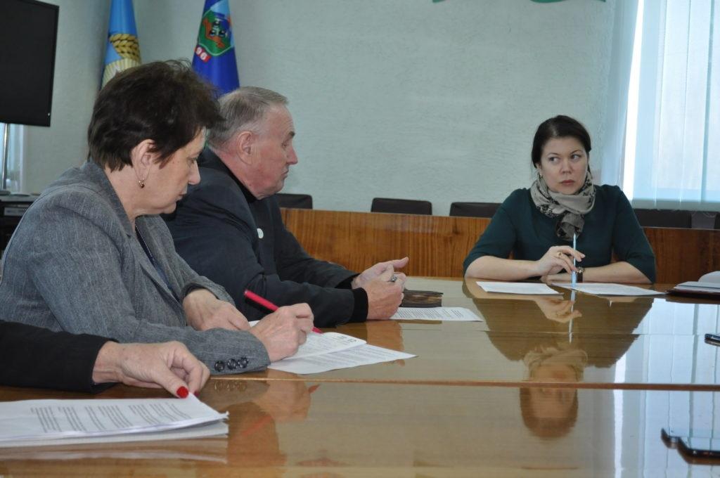 Исполняющая обязанности министра промышленности и торговли ЛНР Ирина Деркач встретилась с жителями Брянки 3