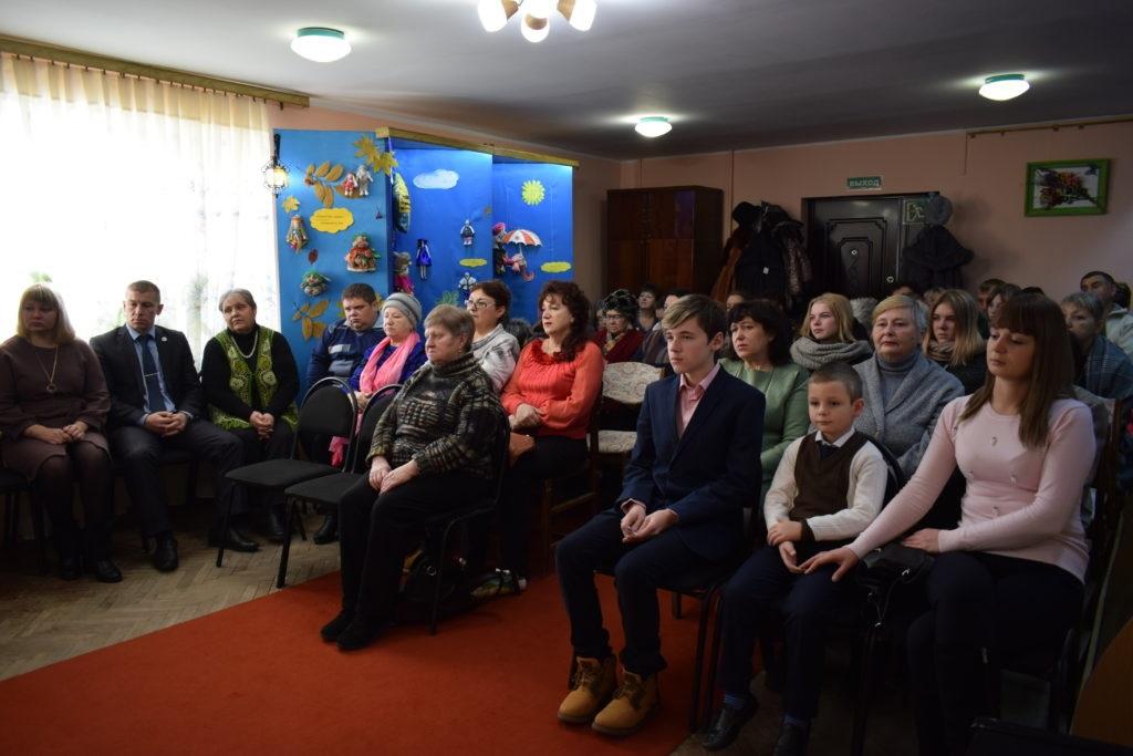 В Первомайске прошла выставка работ мастеров декоративно-прикладного творчества из Золотое-5 3