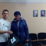 В Алчевске состоялось вручение продуктовых наборов жителям города, оказавшимися в трудной жизненной ситуации