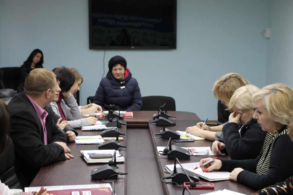 Елена Рахмукова и Сергей Саенко провели прием граждан в Антраците 4