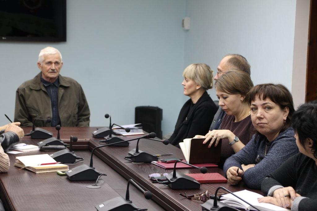 Дмитрий Кукарский встретился с жителями Антрацита 4