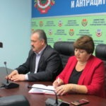 Елена Рахмукова и Сергей Саенко провели прием граждан в Антраците