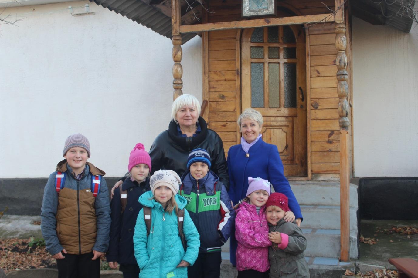 В селе Долгое состоялась встреча Светланы Гизай и Антонины Гречишкиной с жителями прифронтовой территории 1