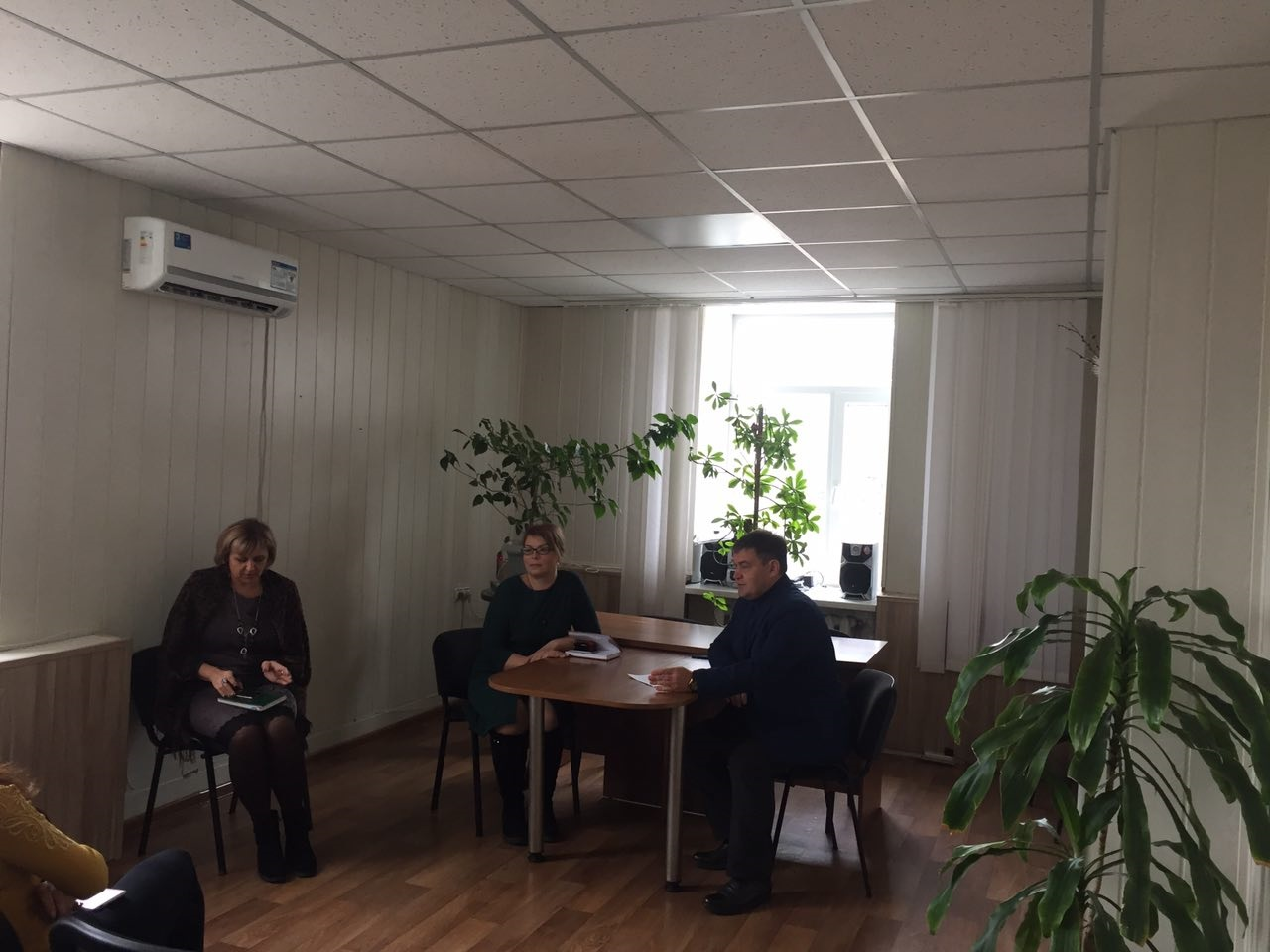 Андрей Сопельник встретился с гражданами в Червонопартизанске Свердловского района 1