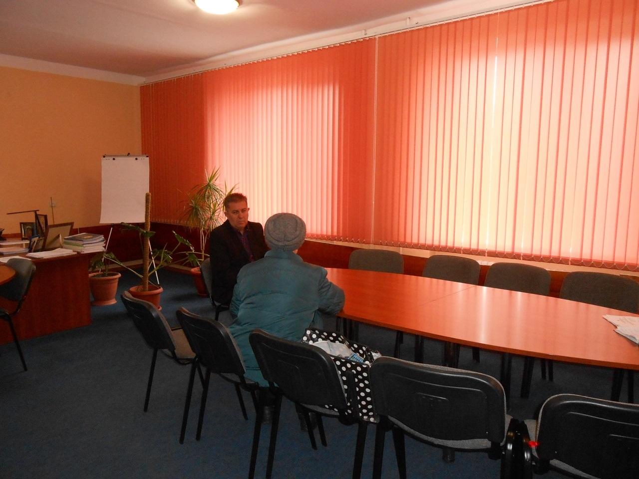 В Перевальске состоялся прием граждан Виталия Михайлова 1